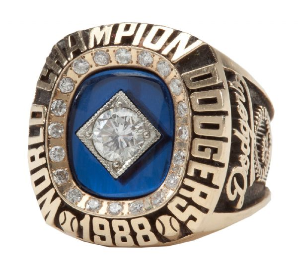 RICK DEMPSEYS 1988 LOS ANGELES DODGERS WORLD SERIES CHAMPIONSHIP RING (DEMPSEY LOA)