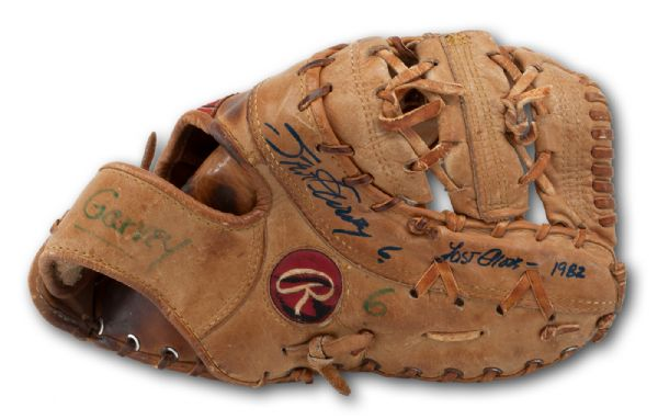 STEVE GARVEYS 1982 SIGNED LAST LOS ANGELES DODGERS GAME-USED RAWLINGS FIRST BASEMANS GLOVE (GARVEY LOA)
