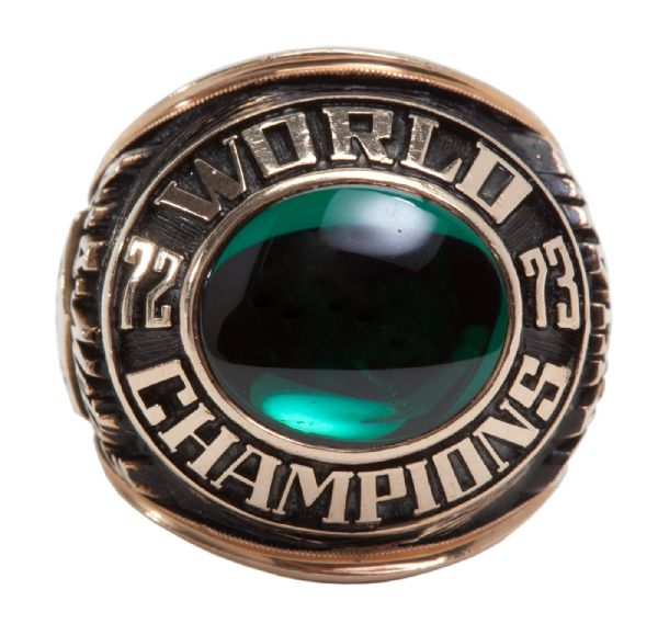 ROLLIE FINGERS 1973 OAKLAND AS WORLD SERIES CHAMPIONSHIP RING (FINGERS LOA)