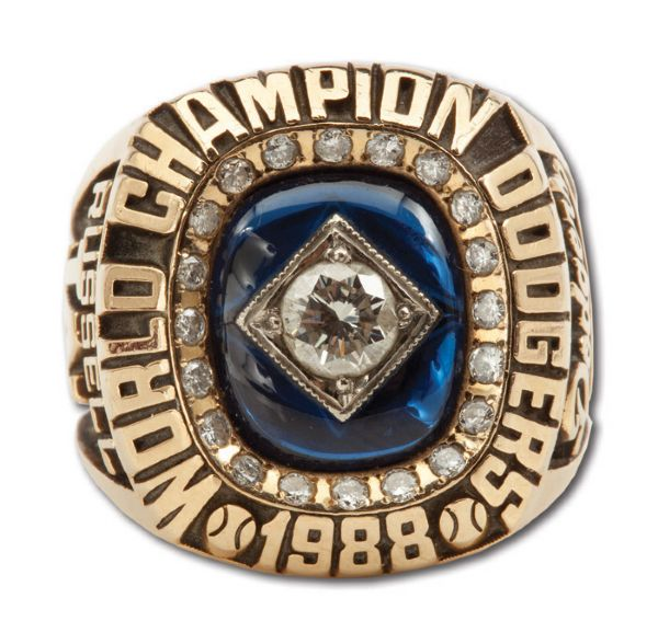 BILL RUSSELLS 1988 LOS ANGELES DODGERS WORLD SERIES CHAMPIONSHIP 14K GOLD RING (RUSSELL LOA)