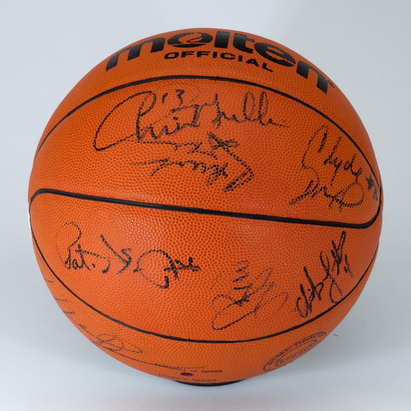 df34da2f1b61 Lot Detail - IMPORTANT 1992 U.S. MEN S BASKETBALL DREAM TEAM SIGNED ...