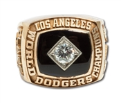 FRED CLAIRES (GENERAL MANAGER) 1981 LOS ANGELES DODGERS 14K GOLD WORLD CHAMPIONSHIP RING - MINT CONDITION IN ORIGINAL PRESENTATION BOX (CLAIRE LOA)