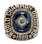DON DRYSDALES 1988 LOS ANGELES DODGERS WORLD SERIES CHAMPIONS 14K GOLD RING (DRYSDALE COLLECTION)