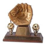 CURT FLOODS 1968 RAWLINGS GOLD GLOVE AWARD TROPHY (JUDY PACE FLOOD LOA)