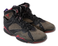 1992 MICHAEL JORDAN GAME WORN AIR JORDAN VII SHOES ATTRIBUTED TO 56-POINT PERFORMANCE IN APRIL 29 PLAYOFF WIN @ MIAMI