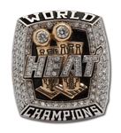 2013 MIAMI HEAT WORLD CHAMPIONS 10K GOLD RING (IN 2012 BOX) PRESENTED TO FRONT OFFICE EXECUTIVE