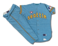 1969 RON PLAZA SEATTLE PILOTS GAME WORN ROAD UNIFORM (DELBERT MICKEL COLLECTION)