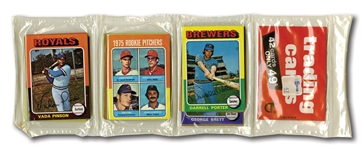 1975 TOPPS MINI UNOPENED RACK PACK WITH GEORGE BRETT ROOKIE VISIBLE IN CENTER STACK
