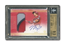 2017 TOPPS DEFINITIVE AUTOGRAPH RELICS RED MIKE TROUT (1/1) – BGS GEM MINT 9.5