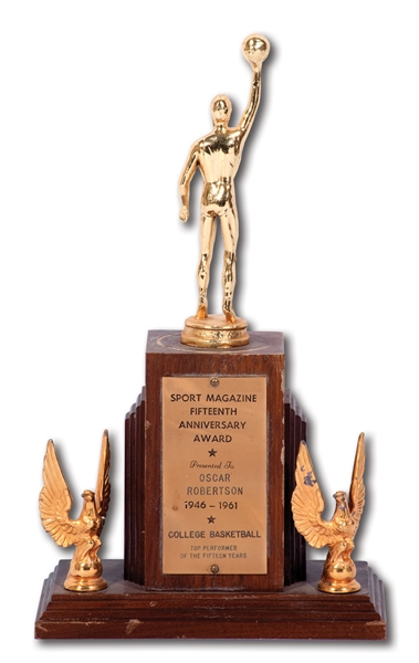 OSCAR ROBERTSONS 1946-61 SPORT MAGAZINE 15TH ANNIVERSARY COLLEGE BASKETBALL TOP PERFORMER SMALL FORMAT TROPHY (ROBERTSON COLLECTION)