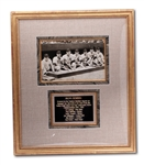 1939 NEW YORK YANKEES MULTI-SIGNED PHOTOGRAPH INCLUDING LOU GEHRIG, JOE DiMAGGIO, McCARTHY, RUFFING, GOMEZ, DICKEY & ROLFE