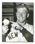 MICKEY MANTLE AUTOGRAPHED ORIGINAL APRIL 17, 1953 WIRE PHOTOGRAPH FROM RECORD 565-FT. HOME RUN AT GRIFFITH STADIUM
