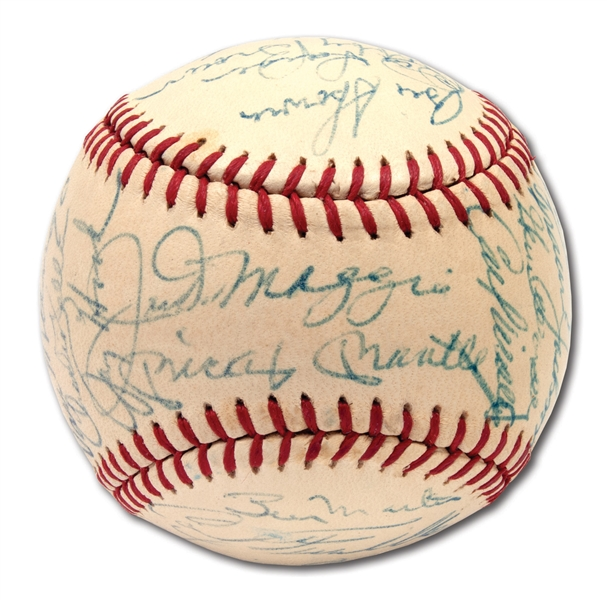 1970S OLD-TIMERS MULTI-SIGNED ONL (FEENEY) BASEBALL FEATURING MOSTLY YANKEES INCL. MANTLE AND DIMAGGIO