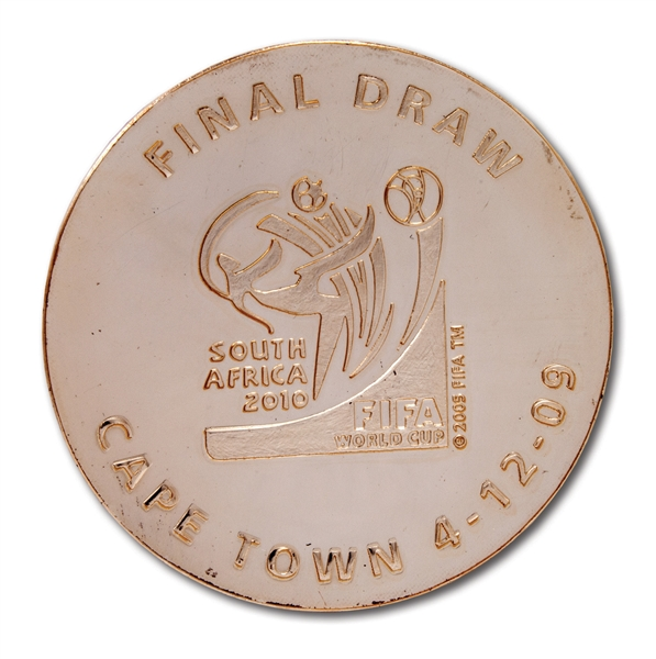2010 FIFA WORLD CUP (SOUTH AFRICA) FINAL DRAW MEDAL PRESENTED TO BRAZIL (1/1) DEC. 4, 2009 - ONE ISSUED TO EACH QUALIFYING NATION (BRAZIL TEAM REP. LOA)
