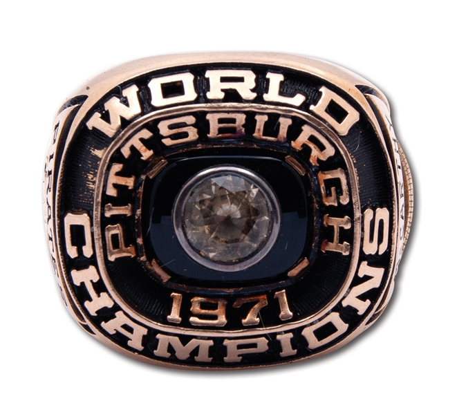 1971 PITTSBURGH PIRATES WORLD SERIES CHAMPIONS 14K GOLD STAFF RING
