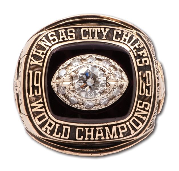 1969 KANSAS CITY CHIEFS SUPER BOWL IV CHAMPIONS 10K GOLD RING PRESENTED TO TEAM DENTIST