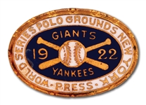1922 WORLD SERIES PRESS PIN (NEW YORK GIANTS/YANKEES AT POLO GROUNDS) - ONLY ONE VERSION