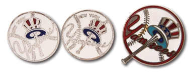 MID-1950S TO EARLY 60S NEW YORK YANKEES SOUVENIR CUFFLINKS AND PIN SET