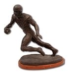 1974 GALE SAYERS BRONZE STATUE BY SCULPTOR TOM HOLLAND (LE 10/22)