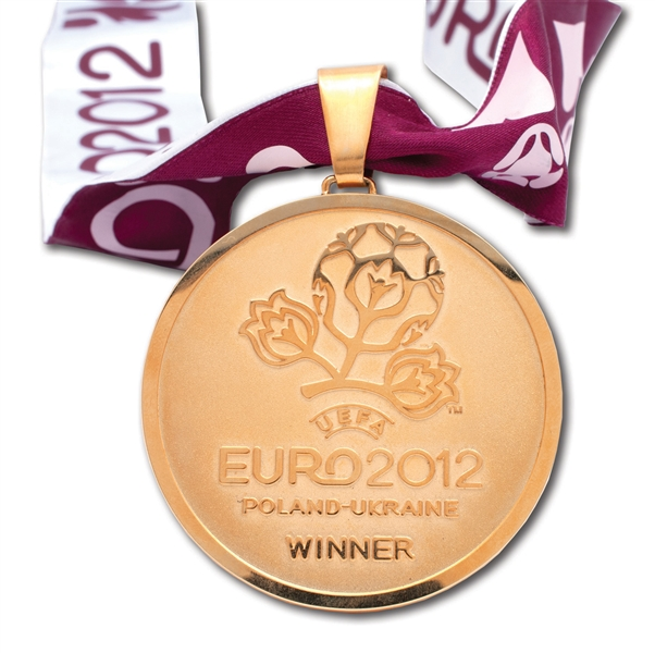 2012 UEFA EURO CUP CHAMPIONS MEDAL ISSUED TO SPAIN NATIONAL TEAM STAFF MEMBER