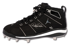 DEREK JETER AUTOGRAPHED NIKE SIX4THREE ROAD GAME SIGNATURE MODEL CLEAT - LE #22/22 (STEINER COA)