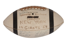 "1958 NEW YORK GIANTS (NFL EAST CHAMPIONS) TEAM SIGNED FOOTBALL - BEATEN BY COLTS IN NFL TITLE (""THE GREATEST GAME EVER PLAYED"")"