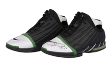 2005-06 PAUL PIERCE (CELTICS) GAME WORN & DUAL-SIGNED NIKE PIERCE 2: THE TRUTH PLAYER EXCLUSIVE SHOES (KNICKS BALL BOY COLLECTION)
