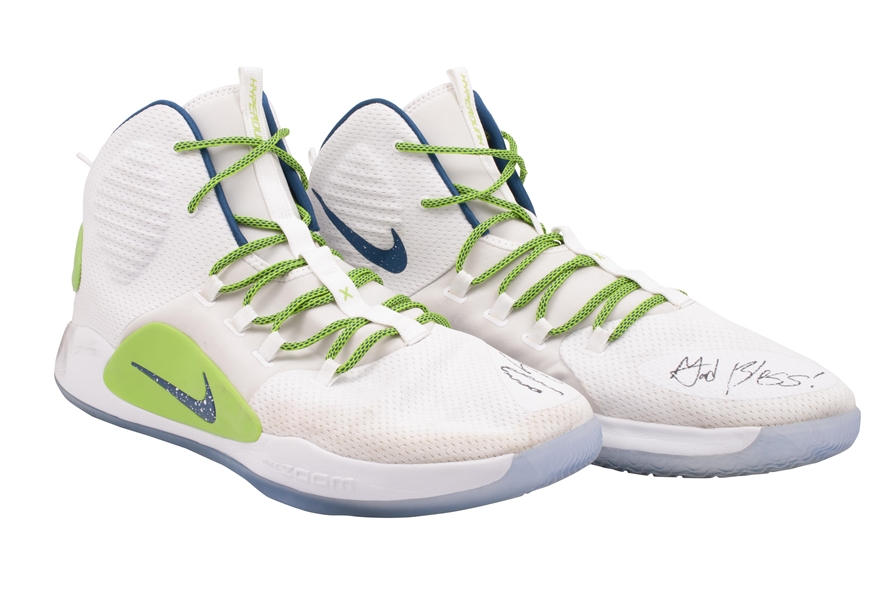 11/9/2018 KARL-ANTHONY TOWNS (T-WOLVES) GAME WORN & DUAL-SIGNED NIKE HYPERDUNK X SHOES PHOTO-MATCHED TO 39 POINTS & 19 REBOUNDS AT KINGS! (KNICKS BALL BOY COLLECTION)