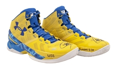 2015-16 STEPHEN CURRY (UNANIMOUS MVP, 73-9 SEASON) GAME WORN & DUAL-SIGNED UNDER ARMOUR CURRY 2 SHOES PHOTO-MATCHED TO 3 GAMES - 81 PTS. & 26 AST. COMBINED! (KNICKS BALL BOY COLLECTION)