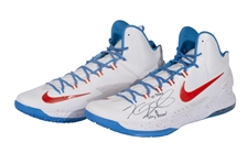 2012-13 KEVIN DURANT (OKC) GAME ISSUED & DUAL-SIGNED NIKE KD V SIGNATURE MODEL SHOES (KNICKS BALL BOY COLLECTION)
