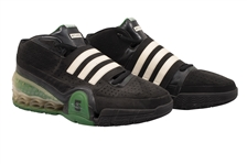 2008-09 KEVIN GARNETT GAME WORN ADIDAS TS BOUNCE COMMANDER PLAYER EXCLUSIVE SHOES (KNICKS BALL BOY COLLECTION)