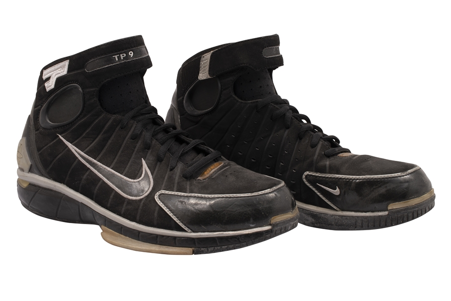 2004-05 TONY PARKER (SPURS) GAME WORN NIKE HUARACHE 2K4 PE SHOES FROM HIS 2ND CHAMPIONSHIP SEASON (KNICKS BALL BOY COLLECTION)