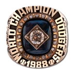 MIKE MARSHALLS 1988 LOS ANGELES DODGERS WORLD SERIES CHAMPIONS 14K GOLD RING