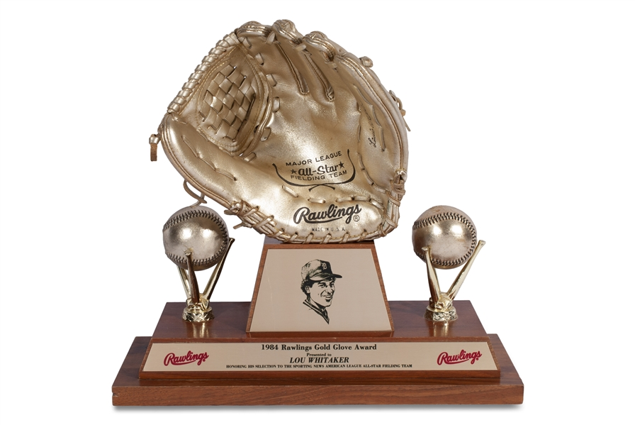 LOU WHITAKERS 1984 RAWLINGS GOLD GLOVE AWARD (HIS SECOND OF 3 IN A ROW)