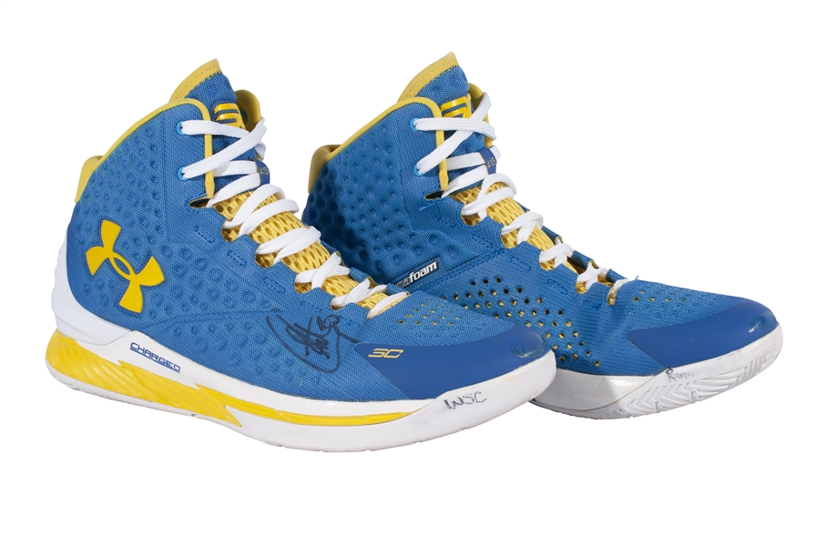 2/26/2015 STEPHEN CURRY GAME WORN & AUTOGRAPHED UNDER ARMOUR CURRY 1 BASKETBALL SHOES - MVP SEASON! (RESOLUTION PHOTOMATCH LOA & BECKETT LOA)
