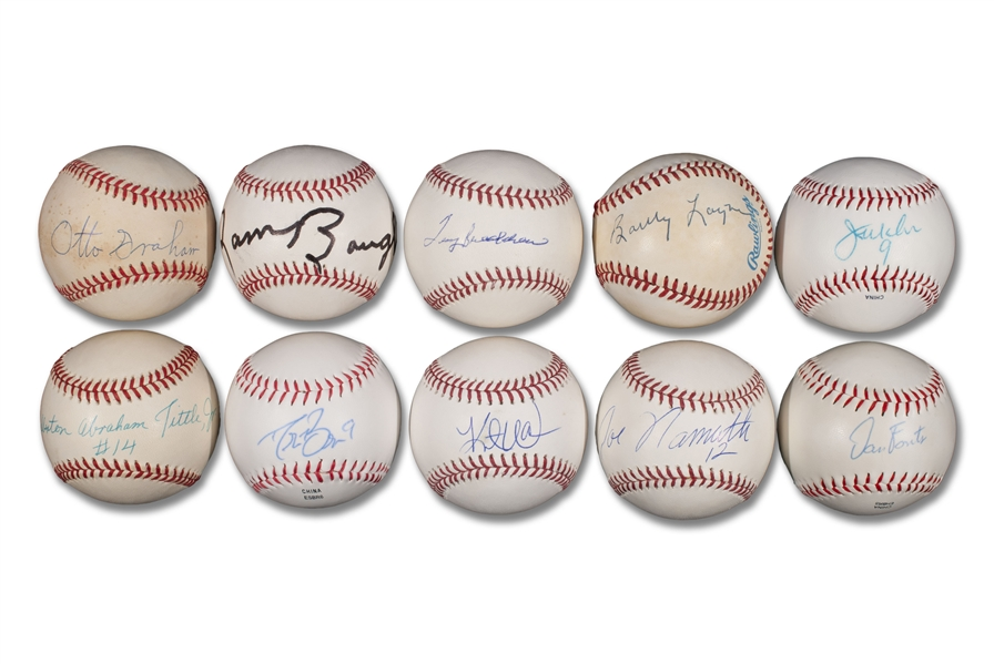 GROUP OF (10) FOOTBALL HALL OF FAME AND LEGEND QUARTERBACKS SINGLE SIGNED BASEBALLS INCLUDING JOE NAMATH, TERRY BRADSHAW AND DREW BREES