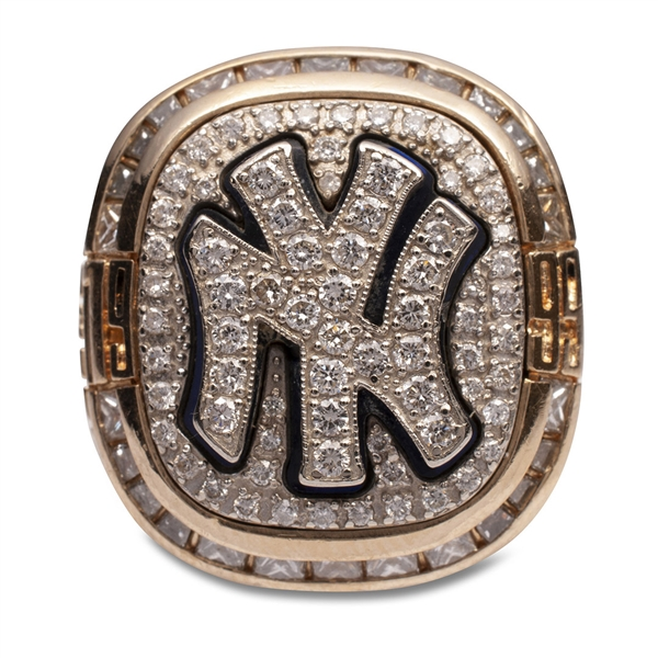 1999 NEW YORK YANKEES WORLD SERIES RING PRESENTED TO GENE MICHAEL W/ORIGINAL PRESENTATION BOX - MICHAEL FAMILY LOA