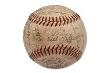 1959 LOS ANGELES DODGERS WORLD SERIES CHAMPS TEAM SIGNED BASEBALL - ONL (GILES) - WALTER ALSTON SWEET SPOT W/ KOUFAX, HODGES, DRYSDALE, SNIDER, REESE - BECKETT LOA