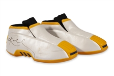 3/29/2002 KOBE BRYANT DUAL-SIGNED PAIR OF (LAKERS VS BLAZERS) GAME WORN KOBE 2 ADIDAS SHOES - 34 POINTS, 7 REBS AND 6 ASSISTS (RESOLUTION LOA AND BECKETT LOAS FOR AUTOS)